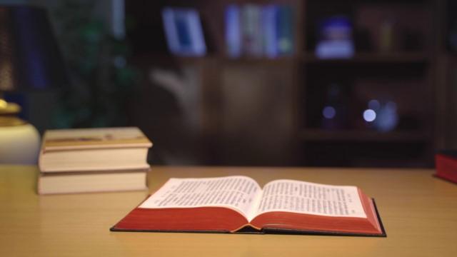 """A que """"outro evangelho"""" se refere? - A Mensagem de Gálatas 1.6,7,8"""