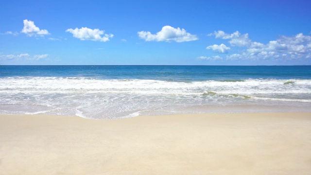 """Gênesis 1:9: """"E disse Deus: Ajuntem-se num só lugar as águas que estão debaixo do céu, e apareça o elemento seco"""""""