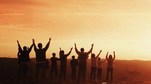 Nós cremos que os pecados do homem são purificados depois da morte no purgatório, depois do qual as pessoas podem entrar no reino dos céus. Mas você testifica que aqueles que não aceitarem a obra de julgamento de Deus dos últimos dias não serão purificados e então não serão aptos a entrar no reino dos céus. O que você quer dizer com isso? Como, exatamente, as pessoas podem entrar no reino dos céus?